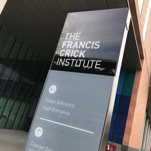 francis-crick-external-signage-sq